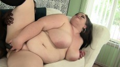Brunette plumper likes them black and pounding her in the twat
