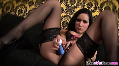 Tia Cyrus is in her lingerie and using a toy to fuck her cunt