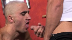 Jizz-loving skinheads give and take oral and anal sex in an M2M three-way