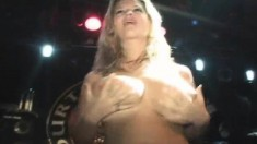 Hot girls drop their clothes and expose their bodies in the night club