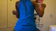Ebony teen twerking pt 3