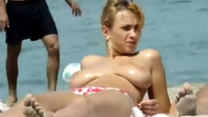 Voyeur Tapes Beauties At A Naked Beach