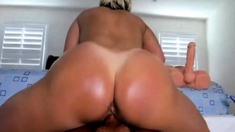 INSANE MILF Squirting ORGASM on BB Dildo