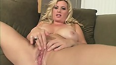 Insatiable blonde is starving for a monumental black meat stick