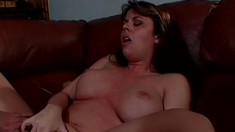 Lucky guy has two sultry babes feeding their hungry holes his big cock